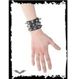 armband-mit-verschiedenen-nieten