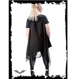 schwarzes-shirt-mit-cape