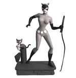 batman-the-animated-series-femme-fatales-pvc-statue-black-white-catwoman-eu-exclusive-23-cm
