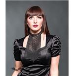 lange-halskette-in-schwarz-mit-vielen-ketten