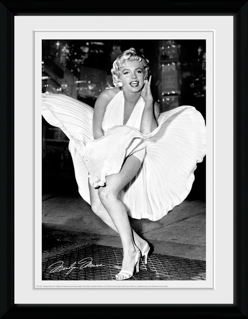 posters marilyn monroe ufficiali 2016 2017 in offerta. Black Bedroom Furniture Sets. Home Design Ideas