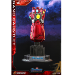 Marvel: Avengers Endgame - Movie Promo Edition Nano Gauntlet 1:4 Scale